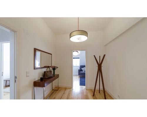 • Jakie wybrać oświetlenie sufitowe do korytarza
